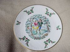 ELEGANT GILDED DISPLAY PLATE ROYAL DOULTON CHRISTMAS 1977 EX COND 8.5""